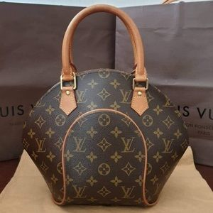 💯 %. Authentic Louis Vuitton Ellipse PM